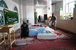 اقلام بهداشتی توسط نیروهای جهادی در قروه توزیع شد