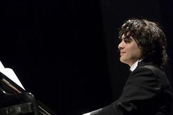 پخش کنسرت آنلاین سامان احتشامی از رادیو «فرهنگ»