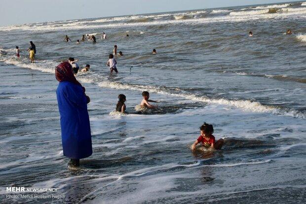 پروتکلها در ساحل بوشهر رعایت نمیشود/لزوم آگاهی بخشی به شهروندان