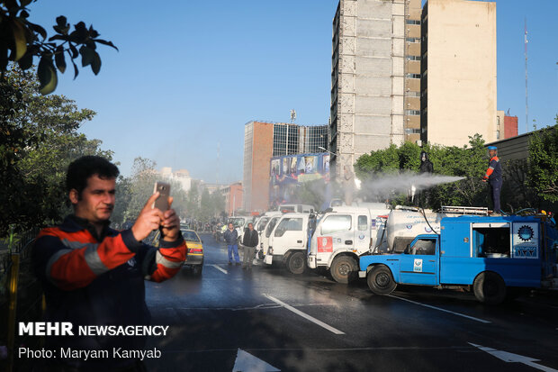 Bio-Defense Drill staged in Vali-e Asr Square of Tehran amid outbreak