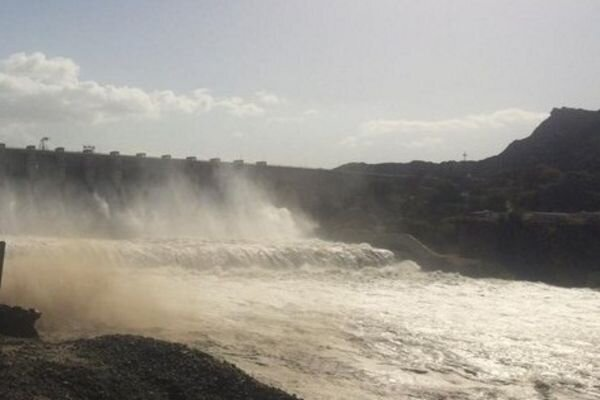 VIDEO: Joveyn dam overflows