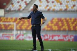 تجربه؛ گمشده نیمکت فولاد خوزستان مقابل نساجی