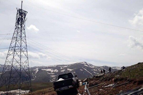 خط ۲۳۰ کیلوولت نیروگاه شهید بهشتی– سیمان سبز ۱و۲ برق دار شد