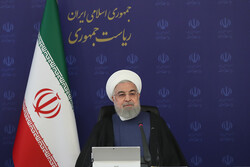 President Rouhani lauds Army as guardian of Iranians' lives