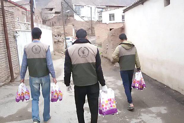 توزیع۶۰۰بسته غذایی بین محرومان درقالب رزمایش کمک مومنانه دردلیجان |  خبیرنیوز