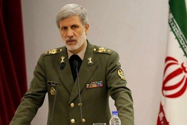 العميد حاتمي يؤكد على الاستعداد والجهوزية التامة لدى الجيش الايراني
