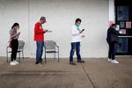 بیکاری ۲.۴ میلیون نفر در آمریکا در هفته گذشته