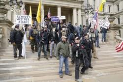 تظاهرات مسلحانه هواداران ترامپ در اعتراض به قرنطینه