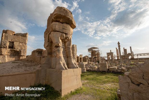 """مدينة """"تخت جمشيد"""" التاريخية"""