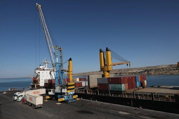 Seven ships carrying basic goods dock at Shahid Beheshti port of Chabahar