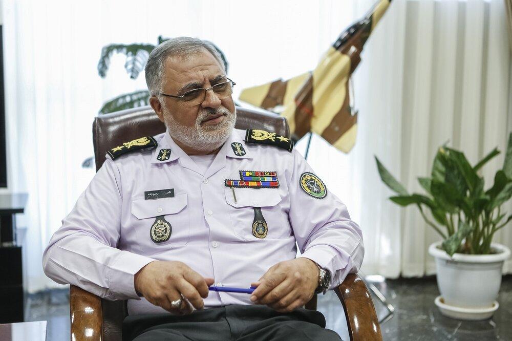 حکم انتصاب فرمانده قرارگاه پدافند هوایی خاتم الانبیا(ص) اهدا شد
