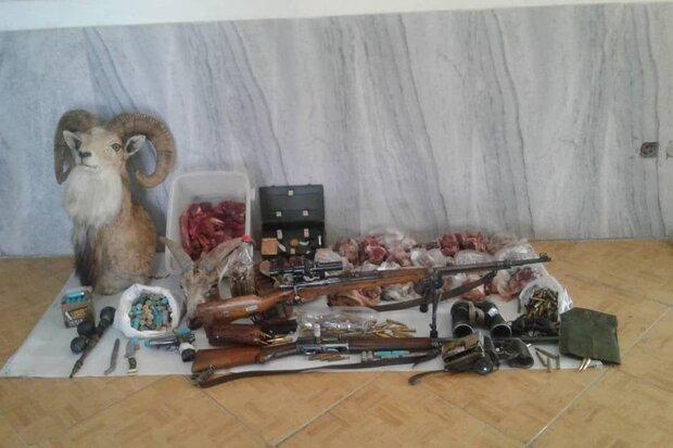 شکارچیان متخلف در شاهرود دستگیر شدند/ کشف گوشت شکار