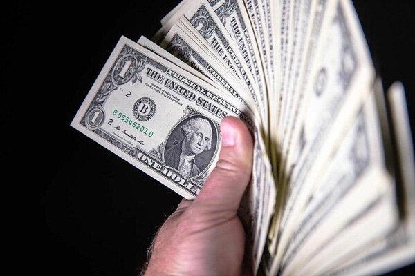 Dolar Türkiye'de bir rekor daha kırdı