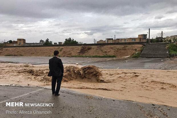 تندباد و باران شدید در استان سمنان