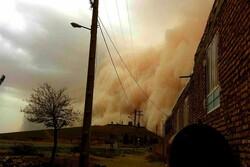 تخریب ۱ کیلومتر از شبکه برق لامرد به دلیل طوفان