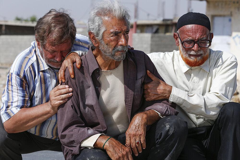 3437356 جامعه صنفی تهیه کنندگان سینمای ایران - درست در روزهایی که بلای کرونا کرکره سالنهای سینما را همچنان پایین نگه داشته، غفلت از ظرفیت طلایی «اکران آنلاین» از سوی مدیران سینمایی و سینماگران بهشدت عجیب به نظر میرسد؛ مشکل کجاست؟