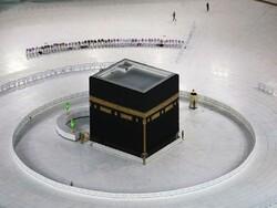 اقامه نماز در کنار کعبه با حفظ فاصله اجتماعی