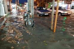 بارش باران موجب آبگرفتگی معابر دهدشت شد
