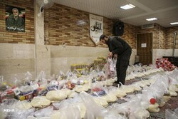 توزیع ۱۰۰ بسته معیشتی بین نیازمندان روستای سیدآباد شهرستان خوشاب