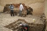 کارگران ساختمانی محروم از حمایت کرونایی دولت/ ۵۰ درصد بیکار هستند