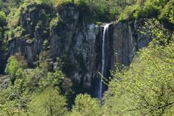 Meet Iran's highest waterfall; Laton