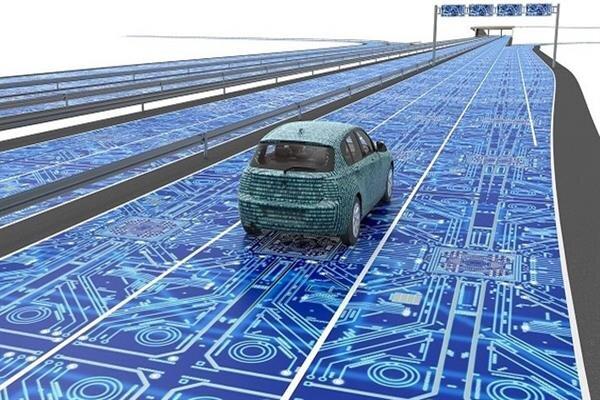پلتفرم بومی خودروی هوشمند طراحی شد/ امکان برقراری ارتباط دوطرفه
