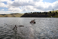 کردستان کے وحدت ڈیم سے پانی کا بہاؤ جاری
