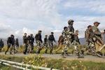 کشمیر میں بھارتی فوج پر حملے کے نتیجے میں 3 اہلکار زخمی ہوگئے۔