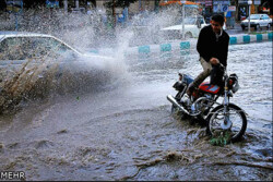 احتمال وقوع رگبار و رعد و برق در ۱۷ استان