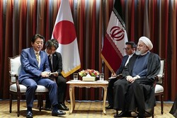 Rouhani, Abe stress need for coop. between Iran, Japan to fight coronavirus