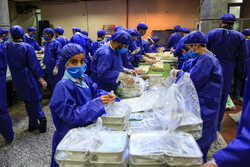 Pre-dawn meals distributed among needy one in Qom