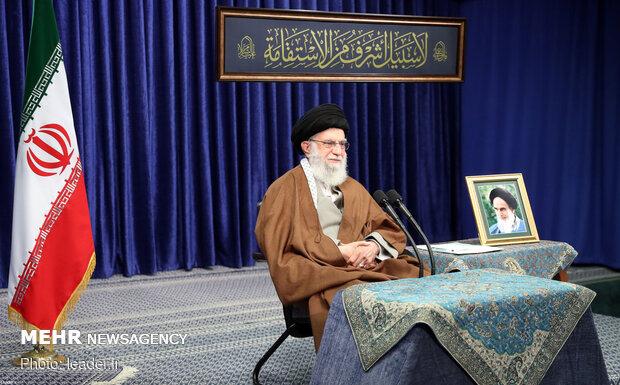 Ayatollah Khamenei meets with laborers via video conference