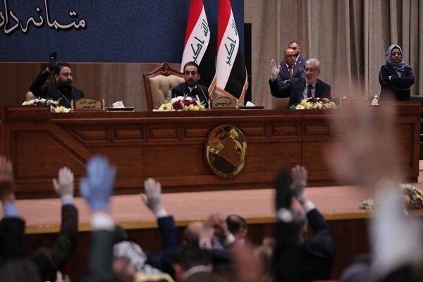 عراقی پارلیمنٹ کا وزیر اعظم الکاظمی کی کابینہ کو اعتماد کا ووٹ/ الکاظمی کو درپیش مشکلات