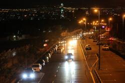 حضور مردم دماوند در خیابان پس از وقوع سه زلزله بامداد یکشنبه