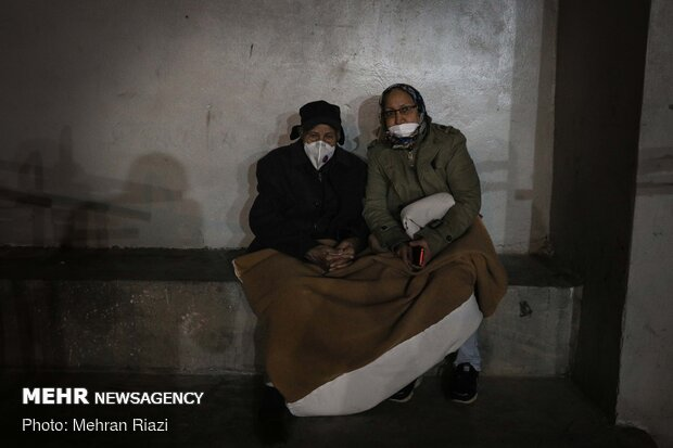 حضور شبانه مردم در خیابان ها پس از زلزله تهران