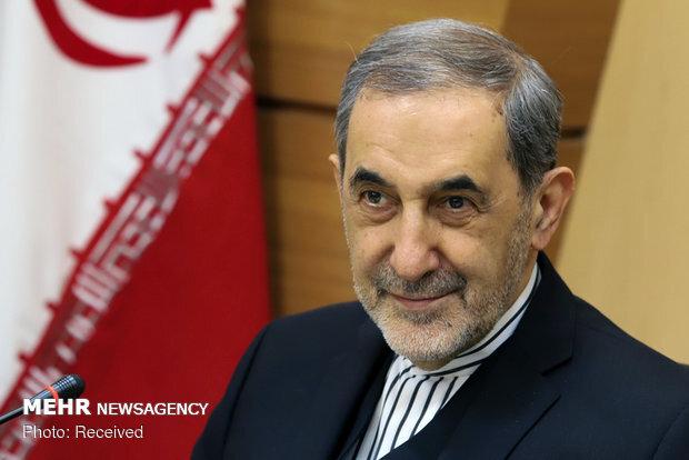 Velayati congratulates Iraqis for formation of new government