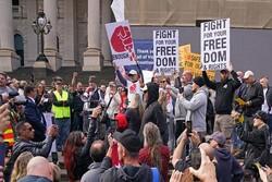 ۱۰ مخالف قرنطینه در ملبورن استرالیا بازداشت شدند