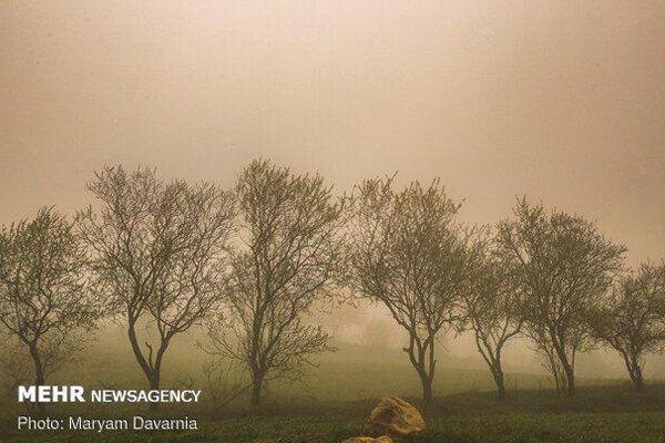 وزش باد شدید و وقوع گرد و خاک محلی در استان اصفهان