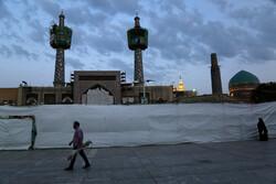 أجواء الليالي الأخيرة من رمضان خلف أبواب الحرم الرضوي