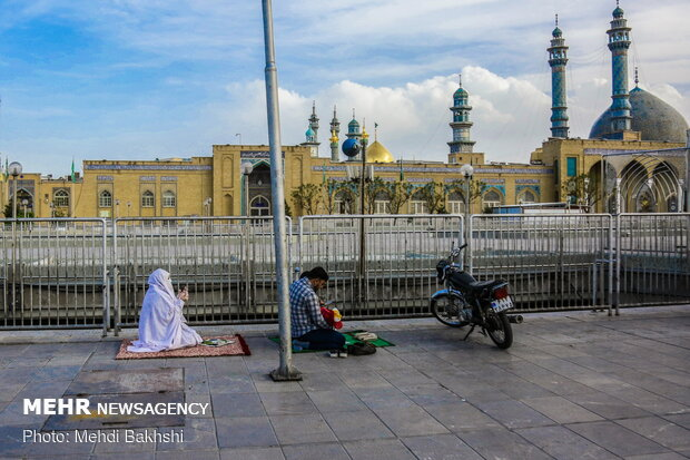Fast-breaking moments at Hazrat Masoumeh holy shrine in Qom