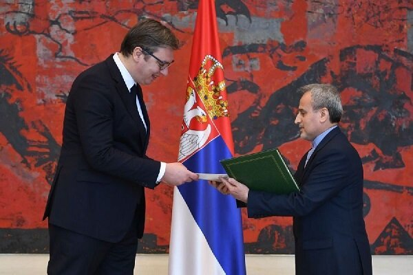 Serbian president calls for expanding economic relations with Iran