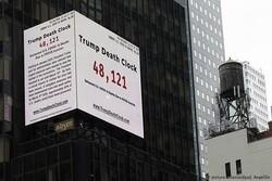 راهاندازی «ساعت مرگ ترامپ» در میدان تایمز نیویورک