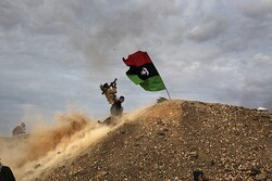 ضربات جوية تستهدف قاعدة حفتر في طرابلس
