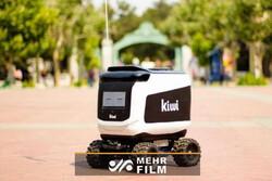 رباتی که در خط مقدم مبارزه با کرونا قرار گرفت