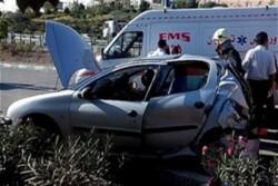 تصادف خودرو ۲۰۶ با گاردریل در اتوبان قم تهران/۴ آمبولانس اعزام شد