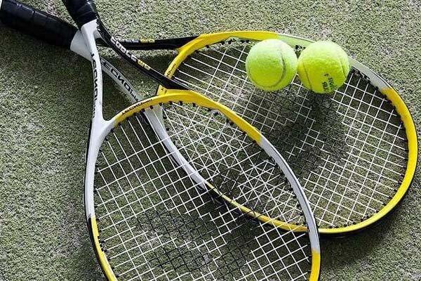 مسابقات قهرمانی تنیس بانوان استان مرکزی در شازند پایان یافت