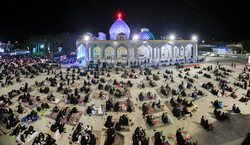 یزد میں امام زادہ سید جعفر محمد کے مزار پر شب قدر میں اللہ تعالی کے ساتھ راز و نیاز کے شاندار جلوے