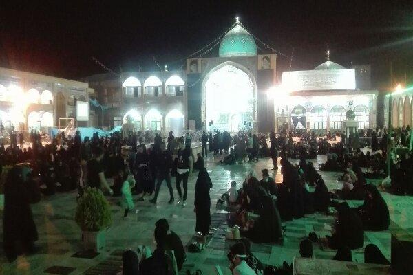 حال و هوای متفاوت تهرانی ها در شب قدر