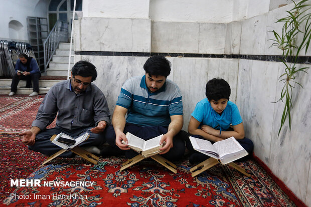 احیای شب بیست و سوم ماه مبارک رمضان در همدان