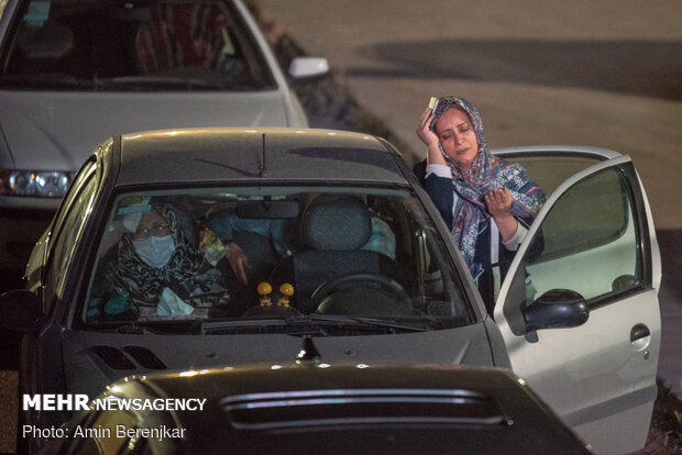 People of Shiraz observe Night of Decree in personal cars amid pandemic